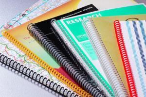 APOSTILAS e LIVROS com espiral, grampo ou capa dura Capa papel cartao e miolo papel offset qualquer tamanho e quantidade PB ou colorido  capa de pvc e espiral, encadernação capa dura